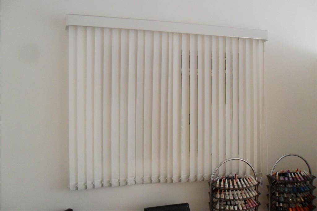 Persiana vertical para sala classic persianas - Cortinas tipo persiana ...